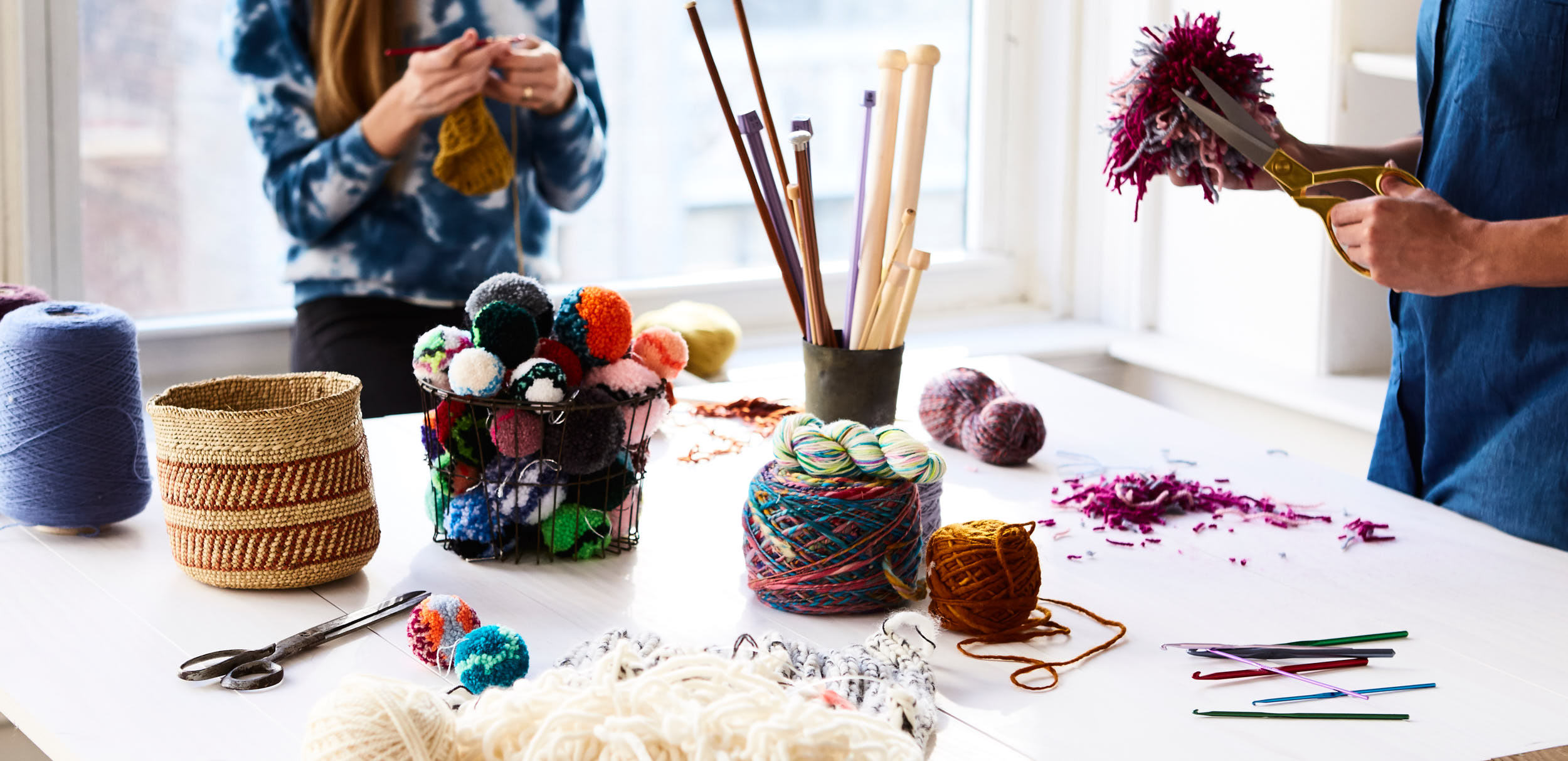 2016-12-14-etsy-project-leo-hero-homepage-pom-poms-0973-w