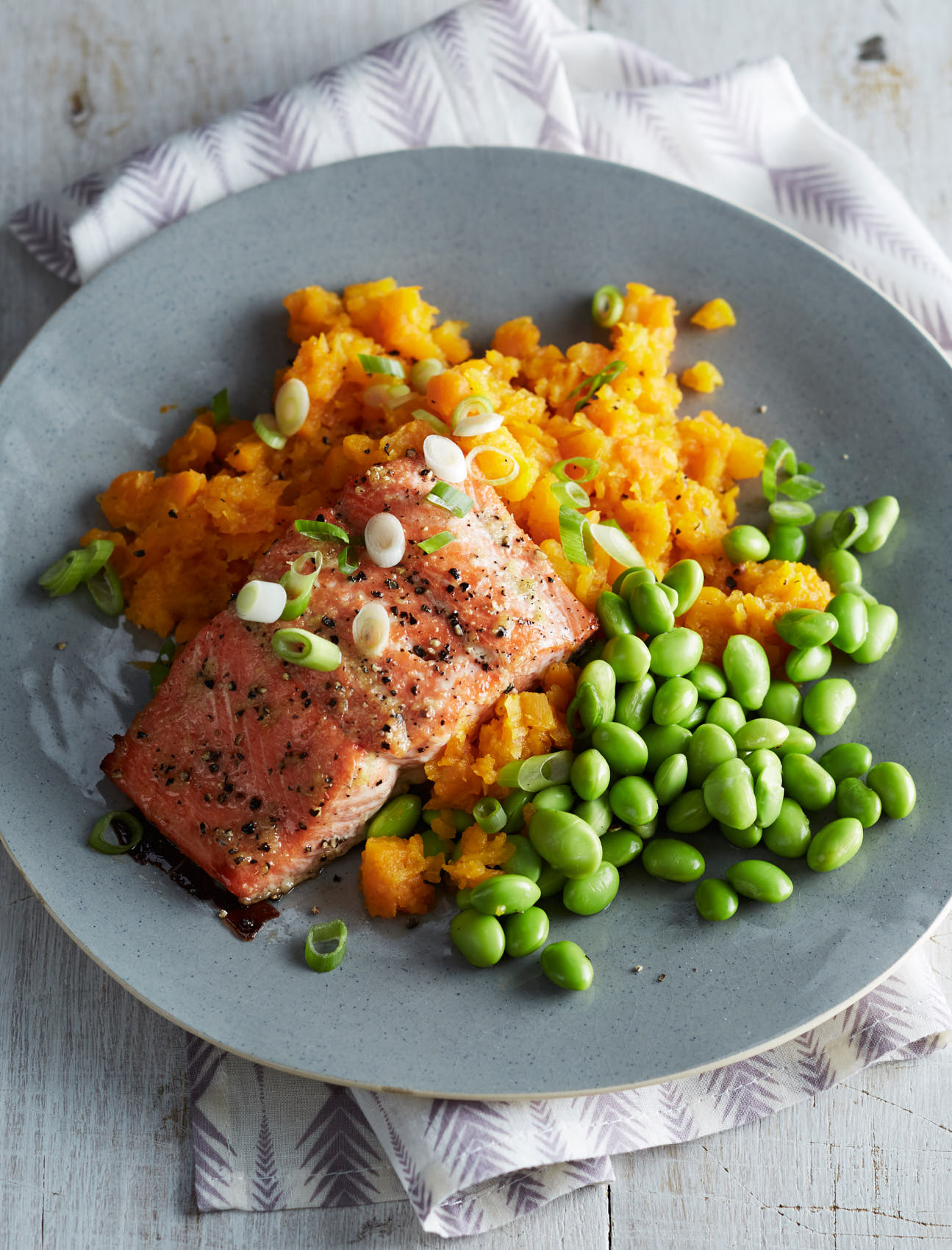 maple-ginger-salmon-and-carrots-16840-6142455-w