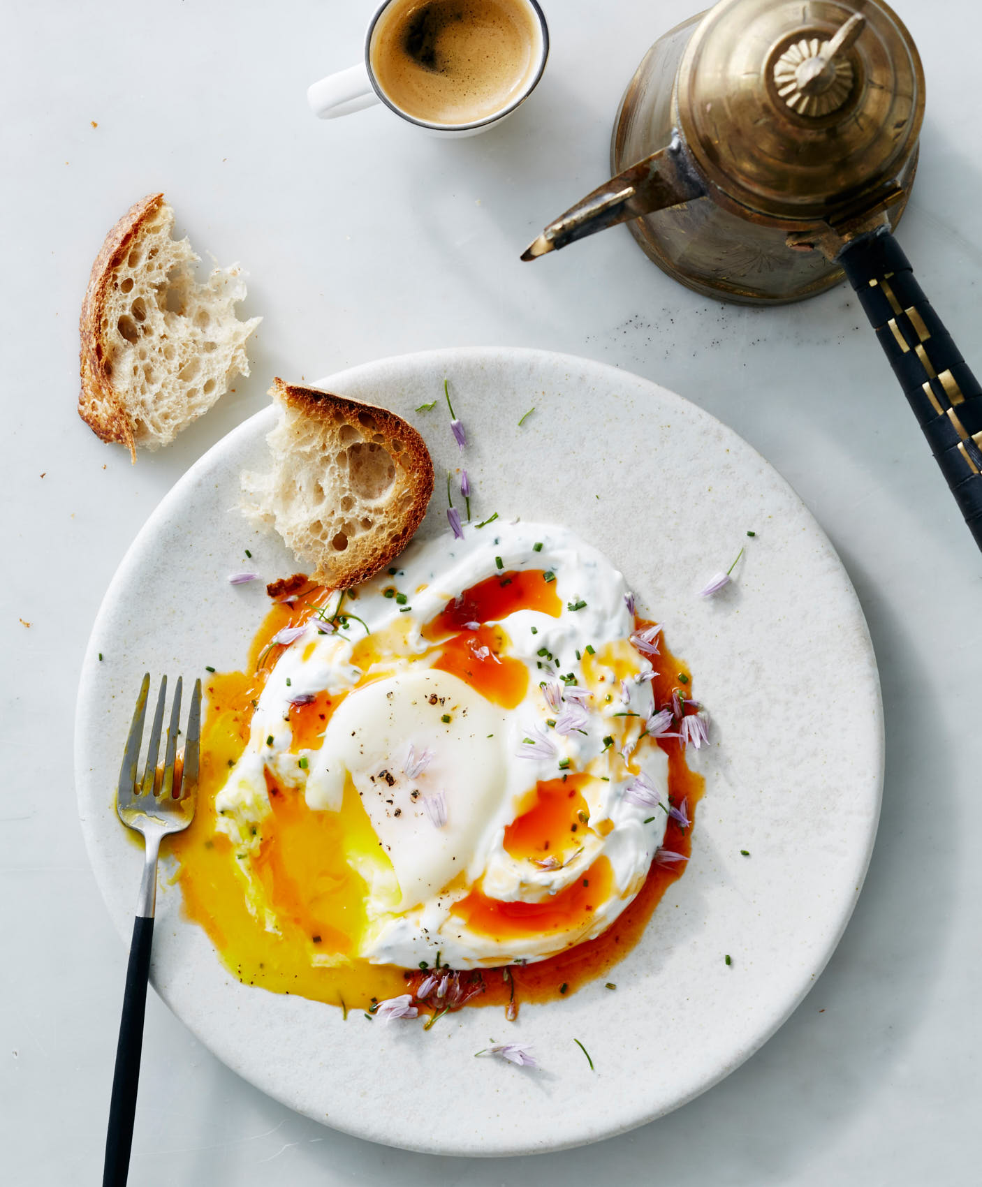 poached-eggs-with-yogurt-0441-w1